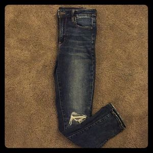 American Eagle distressed high rise jeggings